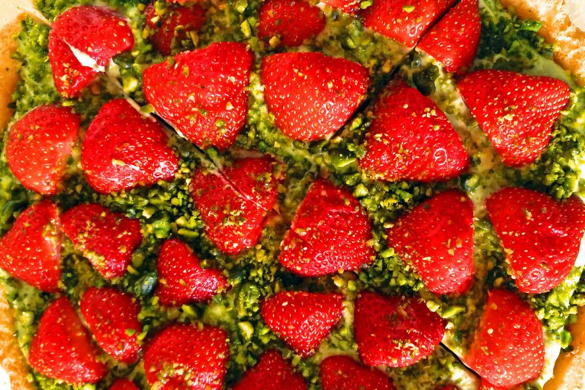Obstkuchen mit Avocadocreme